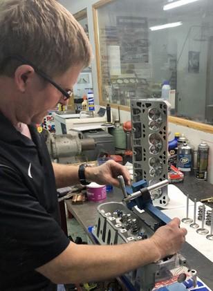 Mechanic-fixing-engine